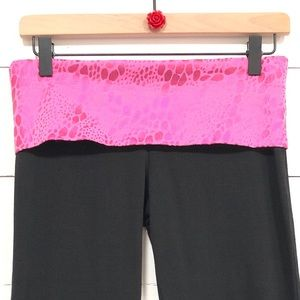 PINK YOGA Victoria's Secret YOGA pants SM